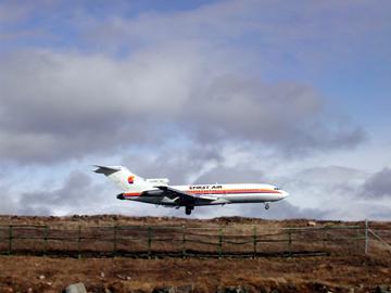 First Air B-727